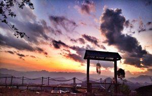 hoang hon pho nui 300x190 - Homestay Phố núi tình yêu - Góc chốn cực chill ở Mộc Châu