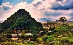 pho nui toan canh 300x186 - Homestay Phố núi tình yêu - Góc chốn cực chill ở Mộc Châu