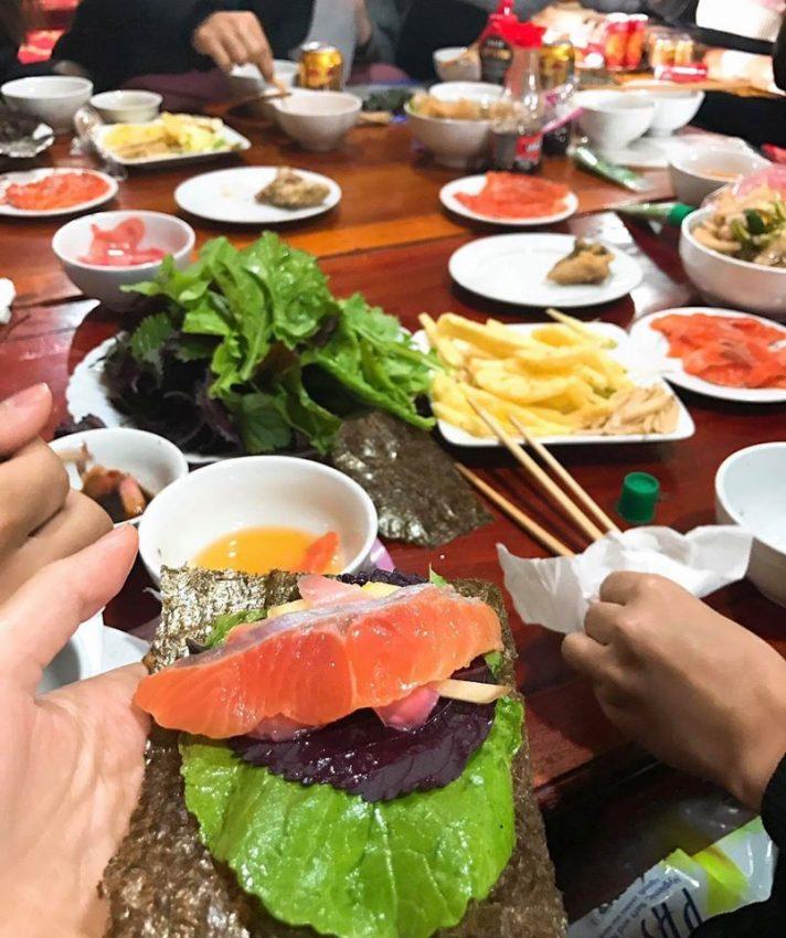 ca hoi vuon dao moc chau 01 712x850 - Điểm danh 11 món ăn đặc sản Mộc Châu nhất định không thể bỏ lỡ