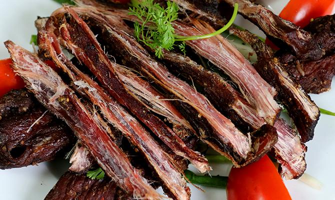thit trau gac bep dac san moc chau 3 - Điểm danh 11 món ăn đặc sản Mộc Châu nhất định không thể bỏ lỡ