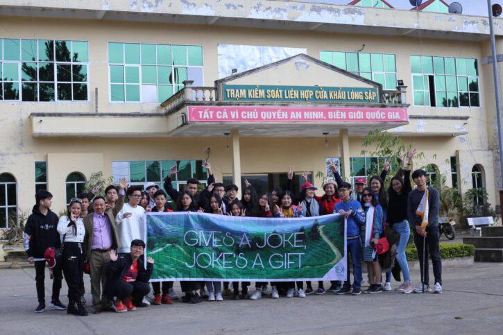 cua khau long sap moc chau 33 725x483 - Kinh nghiệm khám phá cửa khẩu Lóng Sập Mộc Châu