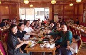 nha hang hoa moc chau 2 300x194 - Review Mộc Châu tất tần tật | Blog chia sẻ kinh nghiệm du lịch Mộc Châu