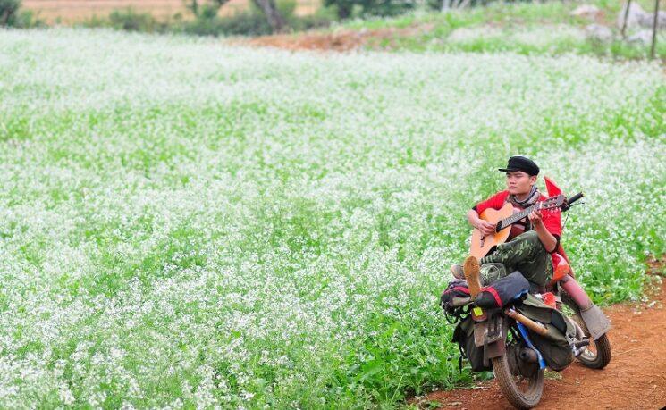 thue xe may o moc chau 5 745x459 - Hướng dẫn, chia sẻ kinh nghiệm thuê xe máy ở Mộc Châu